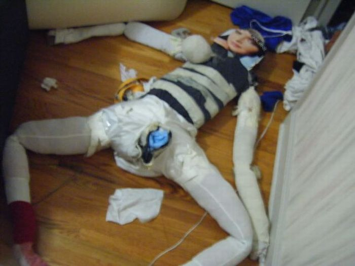 The Worst Home Made Sex Doll Ever (13 pics)