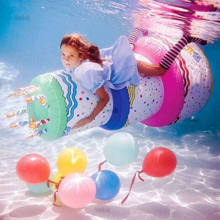 Alice Underwater (13 pics)