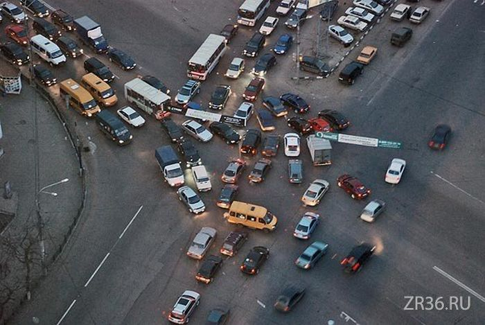 Birth of a Traffic Jam (7 pics)