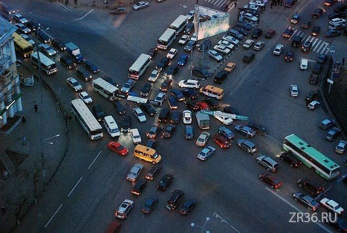 Birth of a Traffic Jam (7 pics)