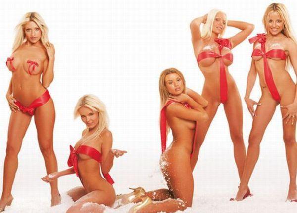 Sexy Christmas Girls (183 pics)