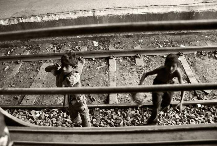 Train Beggars (22 pics)