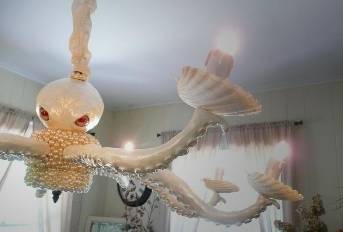 Creepy Octopus Chandelier (3 pics)