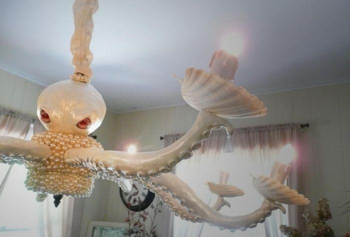 Creepy Octopus Chandelier (3 pics)