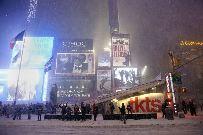 The Great Snowball Fight in Times Square (15 pics)