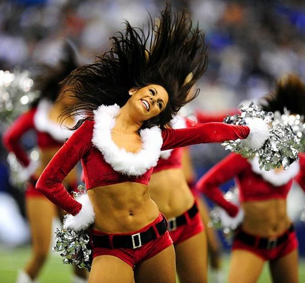 Sexy Christmas Cheerleaders (15 pics)