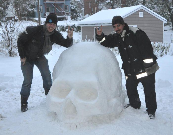 Snow Skull (9 pics)