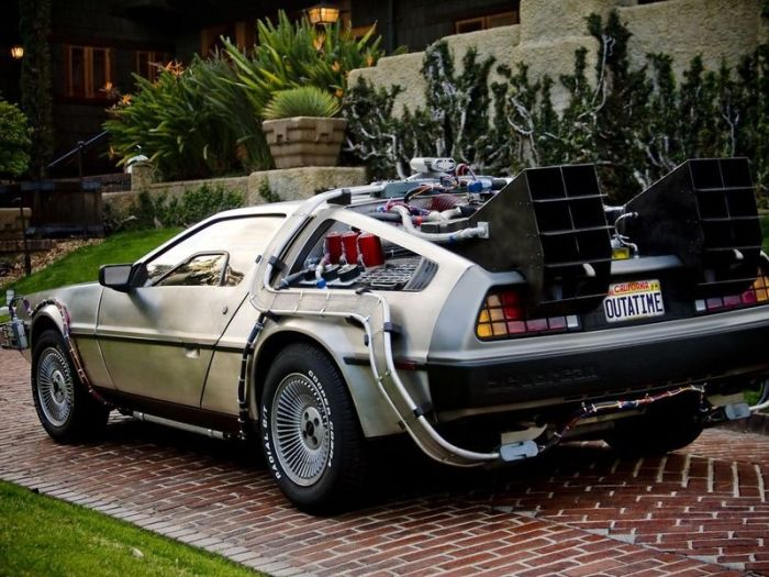 Amazing replica of the Back To The Future DeLorean (26 pics)