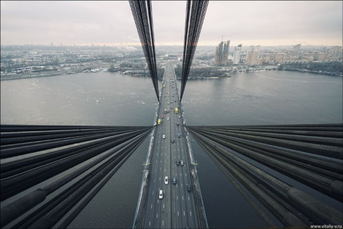 Moscow Bridge in Kiev – Amazing Photos (19 pics)
