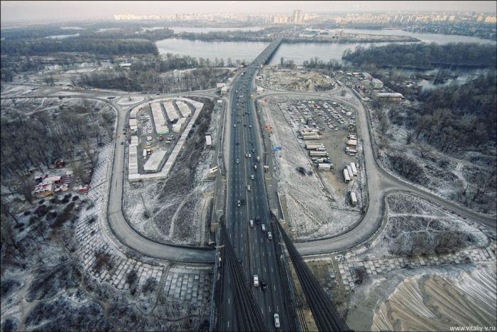 Moscow Bridge in Kiev – Amazing Photos (19 pics)