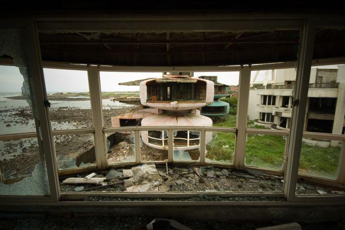 Abandoned City San Zhi (11 pics)