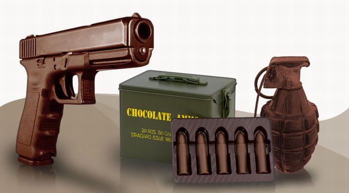Сhocolate weapons (12 pics)