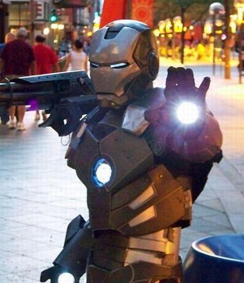 Hand-Made Iron Man costume (35 pics)