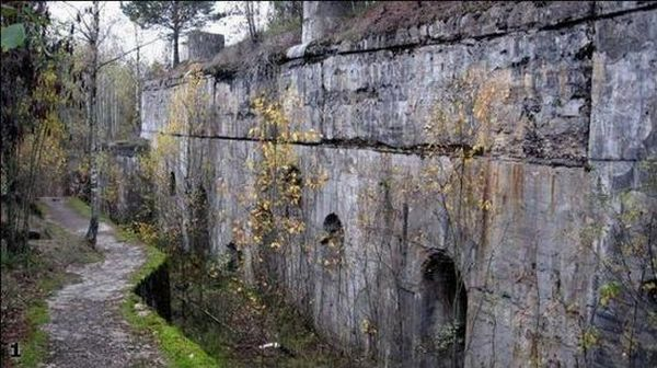 The Second World War bunker (22 pics)