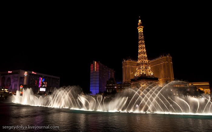 Fountain Show in Las Vegas (32 pics)