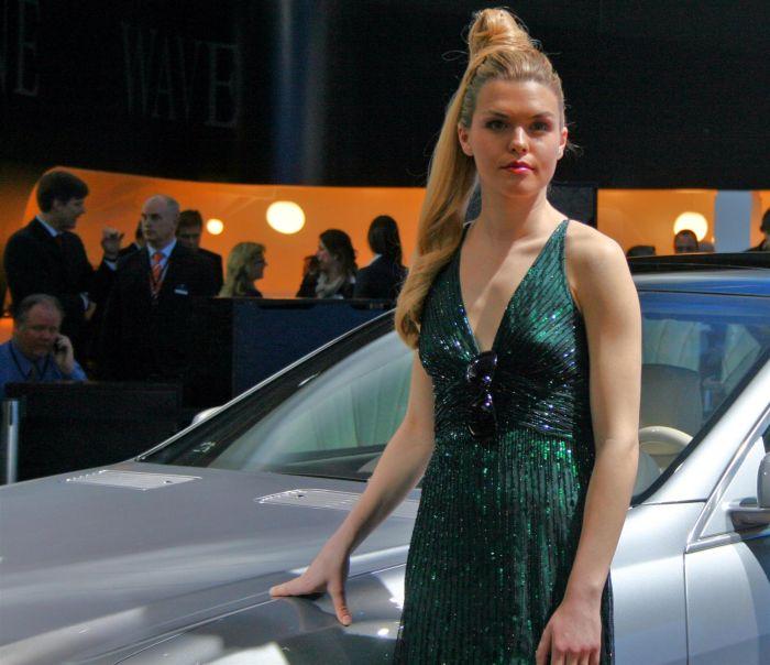 Girls of Detroit Auto Show (25 pics)