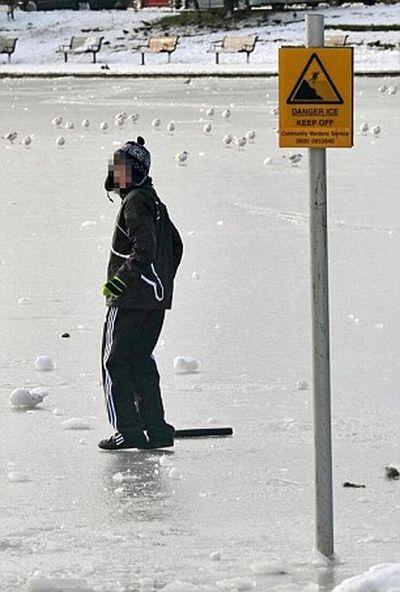 Thin Ice (7 pics)