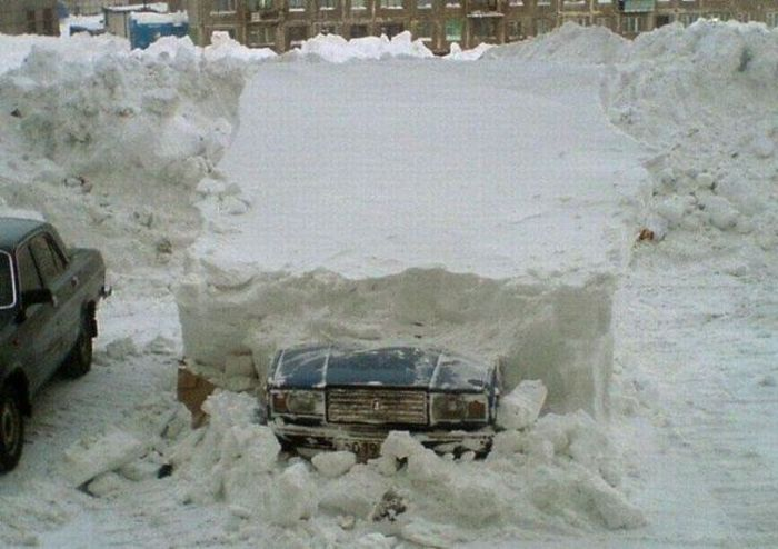 Buried Car (4 pics)