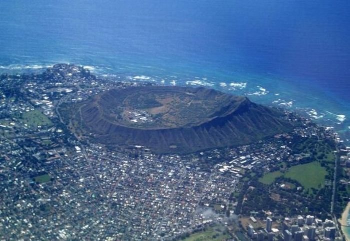 Diamond Head Crater (8 pics)