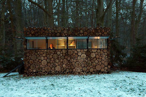 A Log House (68 pics)