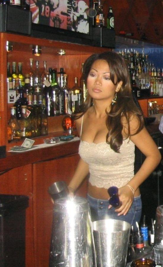 Hot Bar Girls
