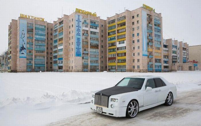 Self-Made Rolls-Royce Phantom (17 pics + video)