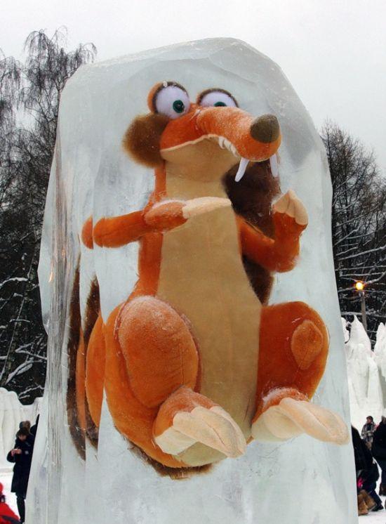 Ice Age in Ice (15 pics)