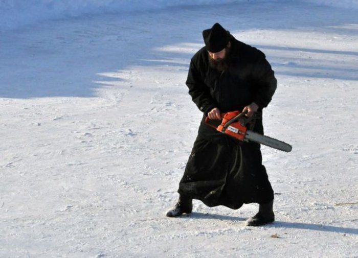 Extreme Russian Priest (2 pics)