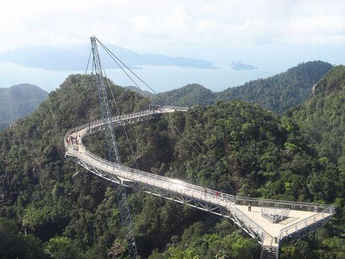 Sky Bridge (20 pics)