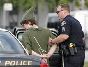 People Getting Arrested In Costume (25 pics)