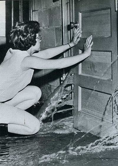 WTF Photos From The Past. Part II (91 pics)