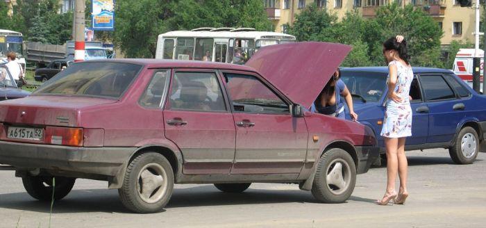 Broken Car (3 pics)