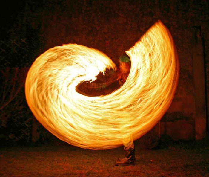 Fire Dancing (18 pics)