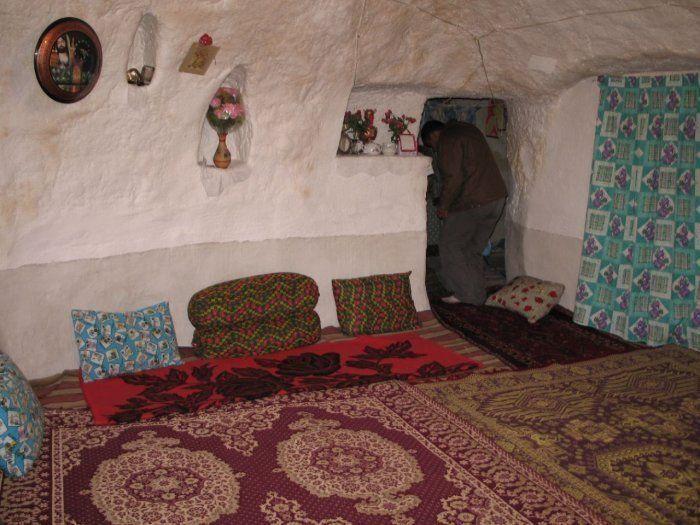 Troglodyte Stone House Village (19 pics)