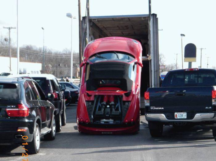 Ferrari Unloading Fail  (4 pics + video)