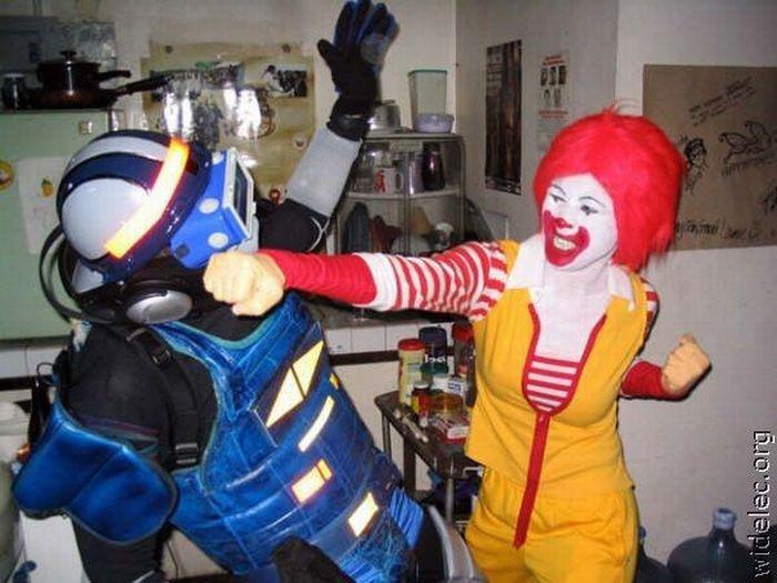 Hilarious Halloween Costumes (94 pics)