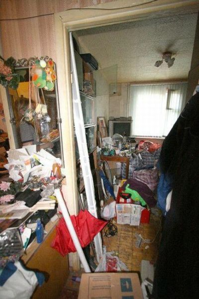 Messy Flat Before and After the Clean Up (8 pics)