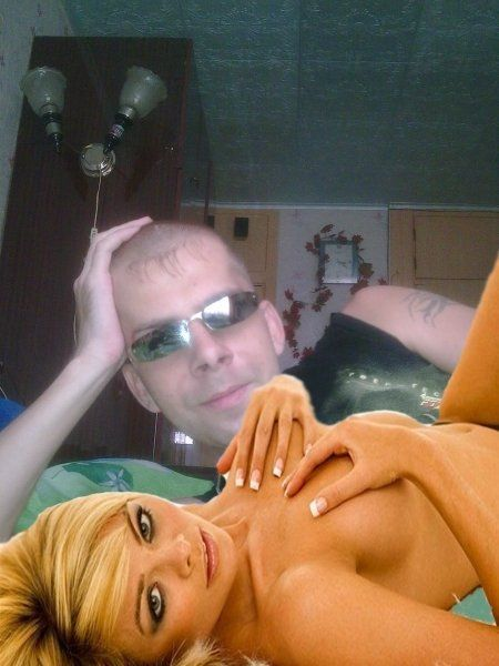 Photos of a Guy from a Russian Social Network (18 pics)
