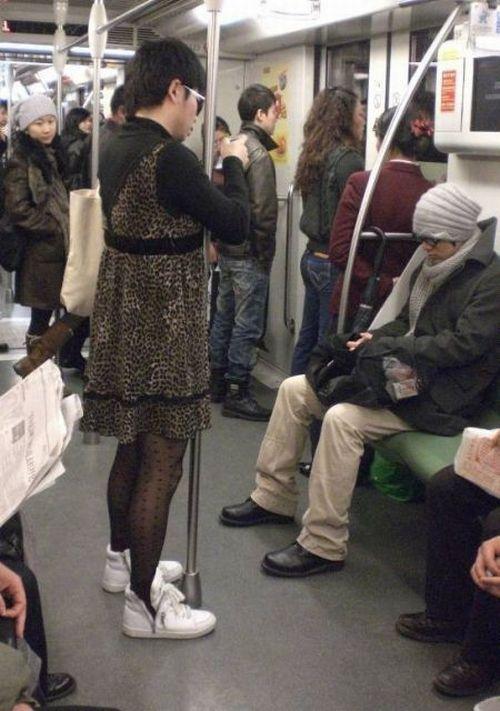 Strange Fashion (14 pics)