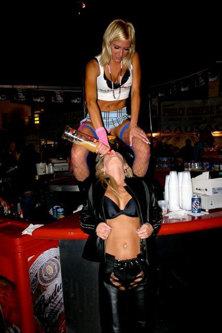 Hot Girls at Tequila Parties (19 pics)