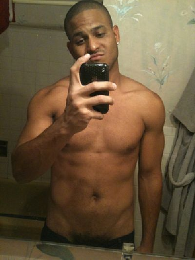 Guys with iPhones (32 pics)