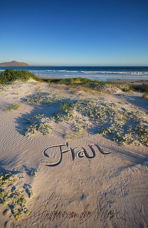 Beach Calligraphy (33 pics)