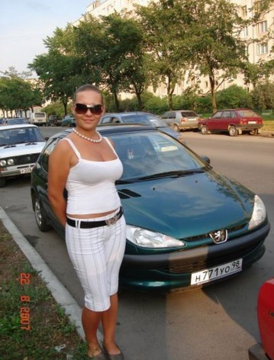 Cute Russian Girl Drivers (35 pics)