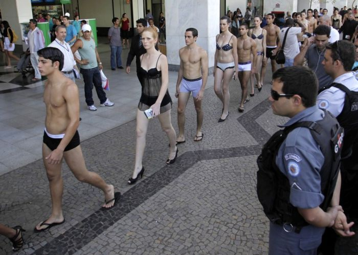 Brazilian Underwear Day 2010 (12 pics)