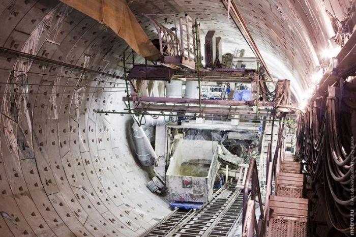 Building a Subway (17 pics)
