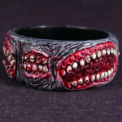 Creepy Accessories (129 pics)