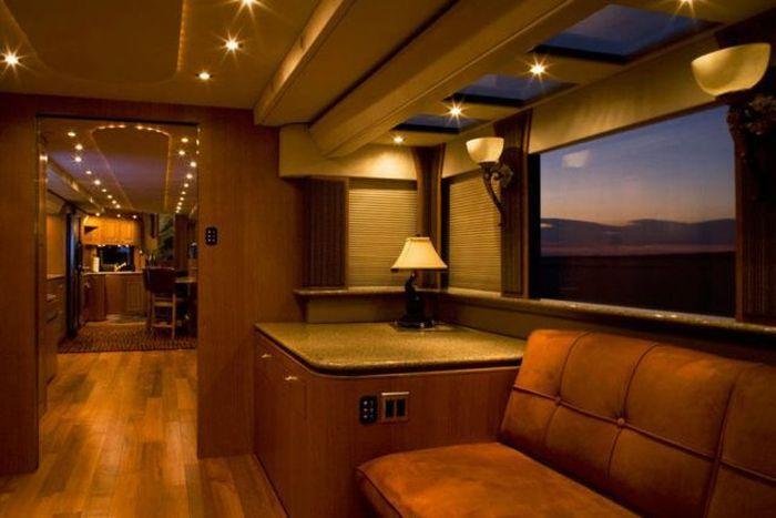 Luxury Houses on Wheels (14 pics)