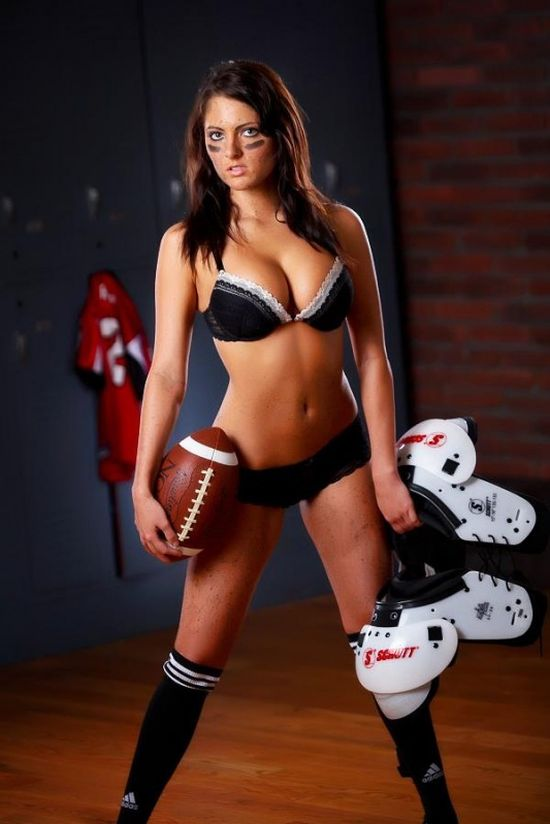 Beautiful Football Girls (30 pics)