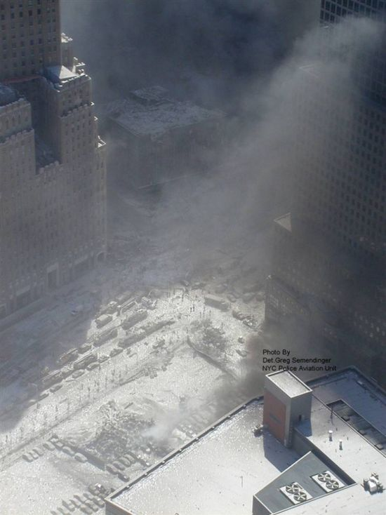 New Photos of 9/11 Attacks (12 pics)