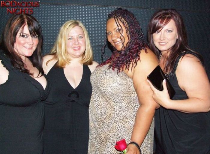 Night Clubs for Overweight People (47 pics)